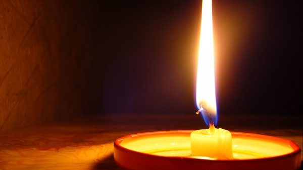 candle-wallpaper1-600x338