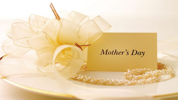 mother-of-pearl-wallpaper9-600x338