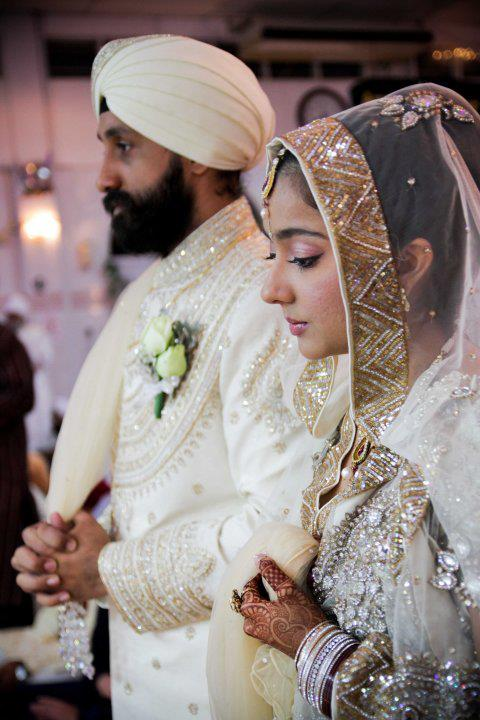 A-Sikh-bride-with-her-groom-wallpaper-wp4803851