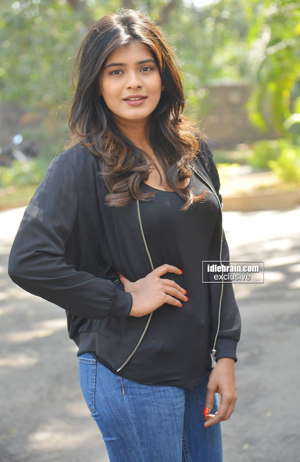 Actress-Hebah-Patel-photo-gallery-http-www-idlebrain-com-movie-photogallery-hebahpatel-index-htm-wallpaper-wp5203824