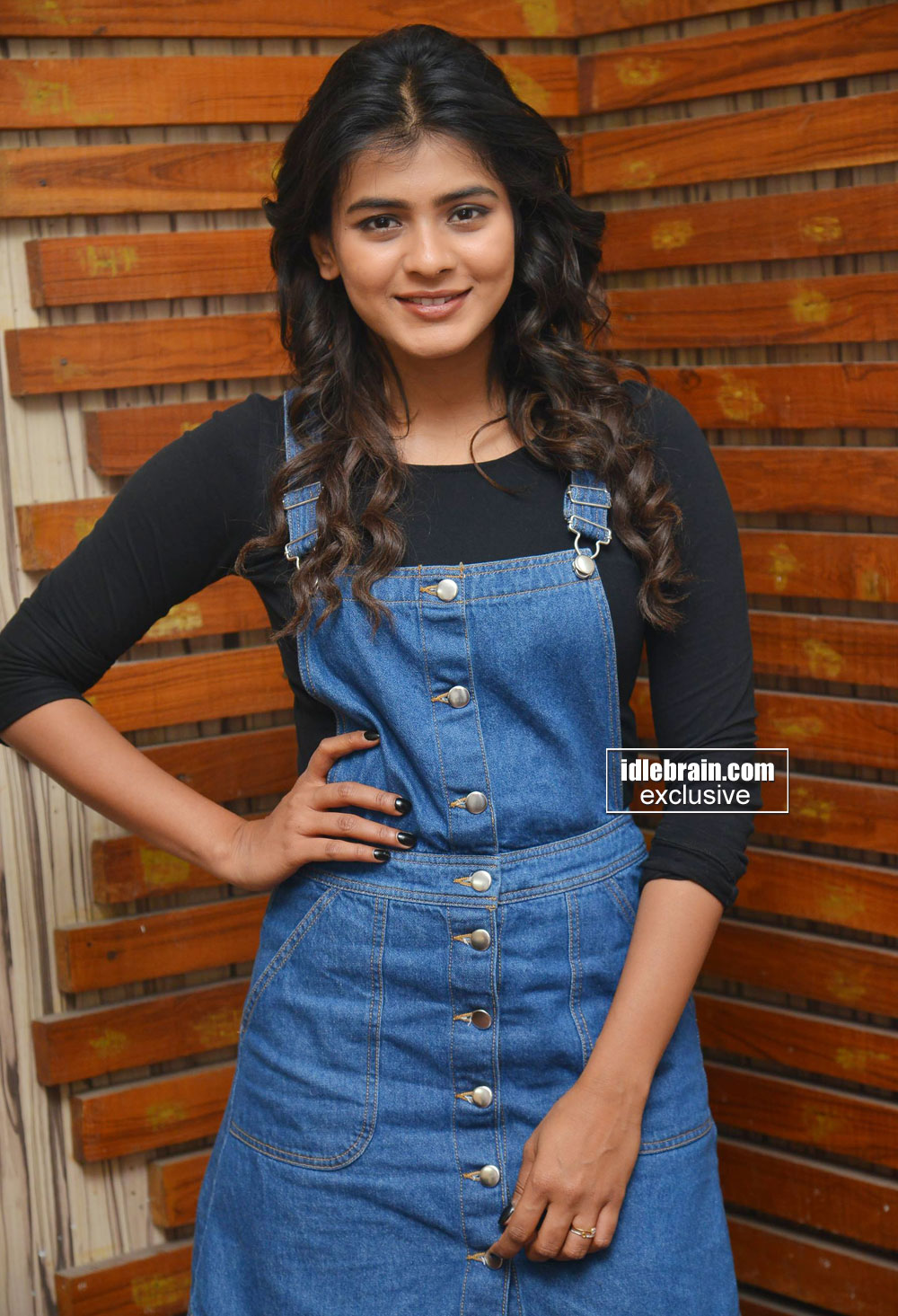 Actress-Hebah-Patel-photo-gallery-http-www-idlebrain-com-movie-photogallery-hebahpatel-index-htm-wallpaper-wp5203825