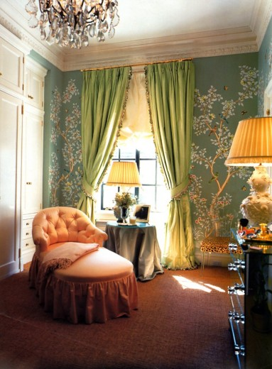 Aerin-Lauder-s-amazing-dressing-room-Now-I-just-need-the-space-and-her-money-to-make-my-own-wallpaper-wp5403090
