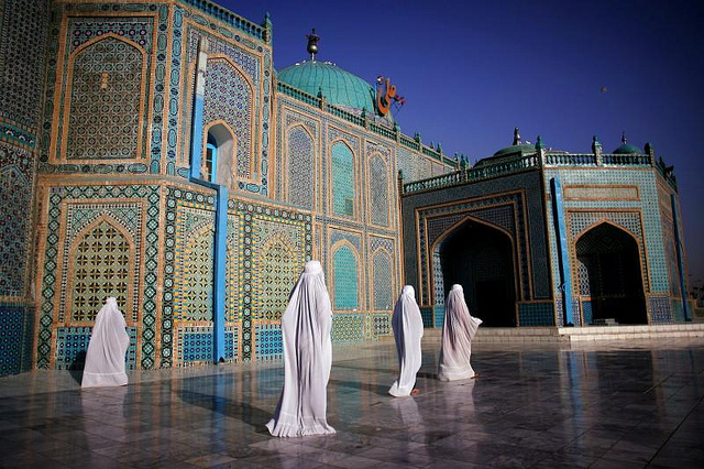 Afghanistan-during-Ramadan-Blue-Mosque-wallpaper-wp6001926