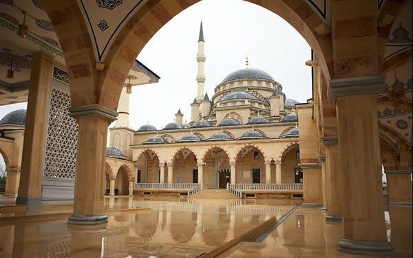 Akhmad-Kadyrov-Mosque-Grozny-Chechnya-Image-Credit-Beautiful-Mosques-wallpaper-wp6001947