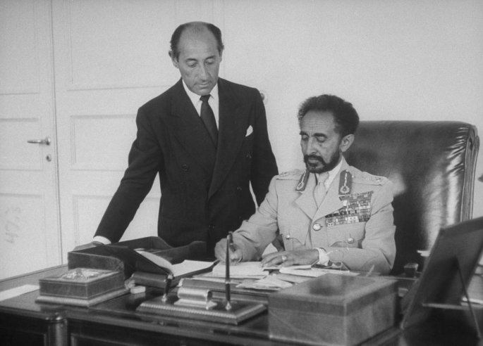 Alfred-Eisenstadt-with-Haile-Selassie-wallpaper-wp4603556