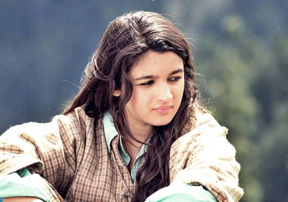 Alia-Bhatt-s-Highway-makes-just-Rs-cr-in-five-days-wallpaper-wp5403146