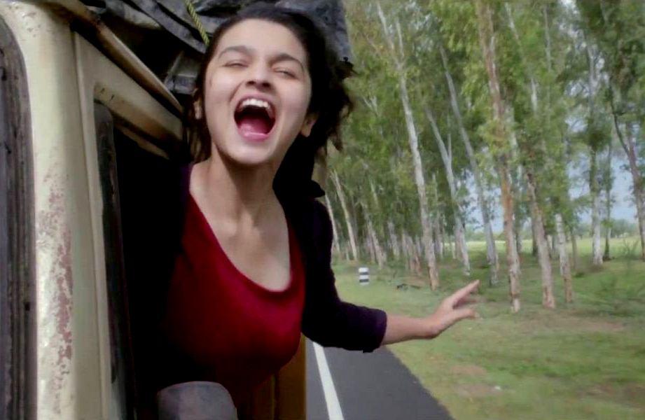 Alia-bhatt-in-Highway-Movie-wallpaper-wp5403157