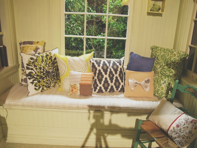 All-the-PLLs-have-fun-pillows-that-fit-their-unique-styles-Which-of-Emily-s-pillows-is-your-favorit-wallpaper-wp3003093