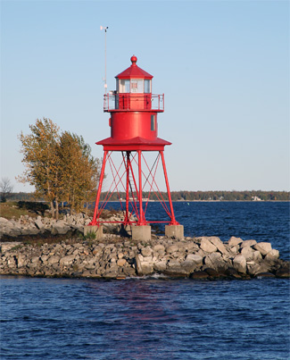 Alpena-Harbor-Lighthouse-Michigan-at-Lighthousefriends-com-wallpaper-wp423576