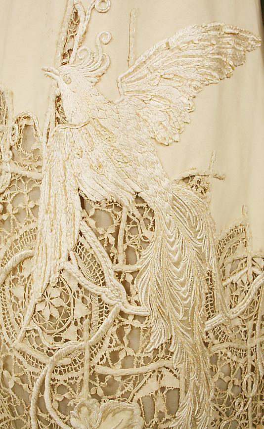 American-silk-dress-detail-wallpaper-wp5004487