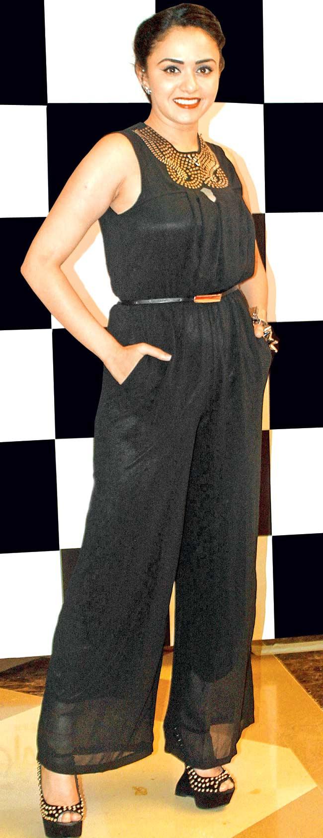Amruta-Khanvilkar-at-a-Gudi-Padwa-bash-Style-Fashion-Beauty-Bollywood-Hindu-Marathi-wallpaper-wp5602859