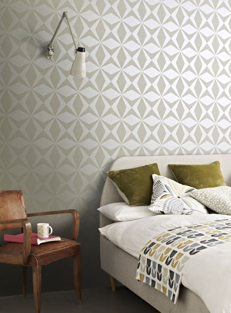 An-all-over-beaded-design-featuring-a-beaded-geometric-star-motif-wallpaper-wp4603611