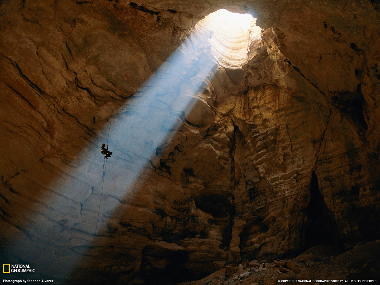 An-explorer-descends-into-the-Majlis-al-Jinn-cave-in-Oman-At-more-than-stories-deep-its-one-of-wallpaper-wp4603621