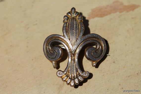 Antique-Gold-Filled-Fleur-De-Lis-Watch-or-Locket-Pin-via-Etsy-wallpaper-wp3003270