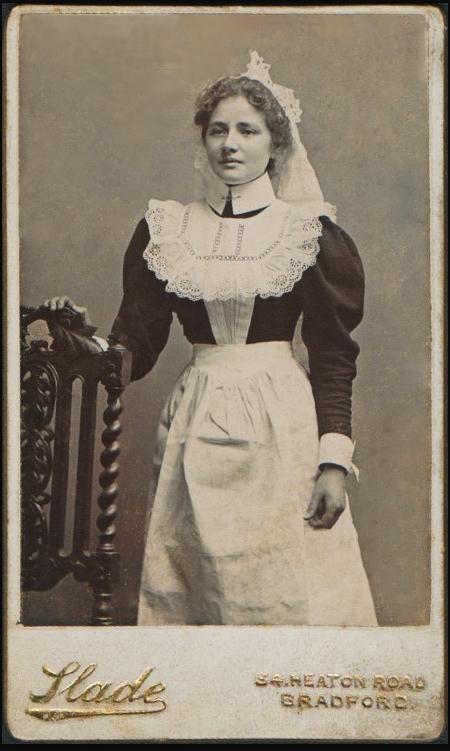 Antique-Photograph-Edwardian-House-Maid-wallpaper-wp423210-1