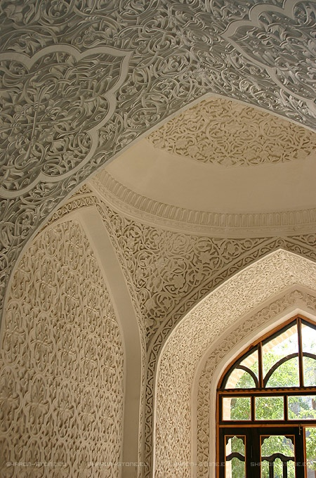 Arabesque-entrance-custom-gebs-plaster-carving-wallpaper-wp5004707