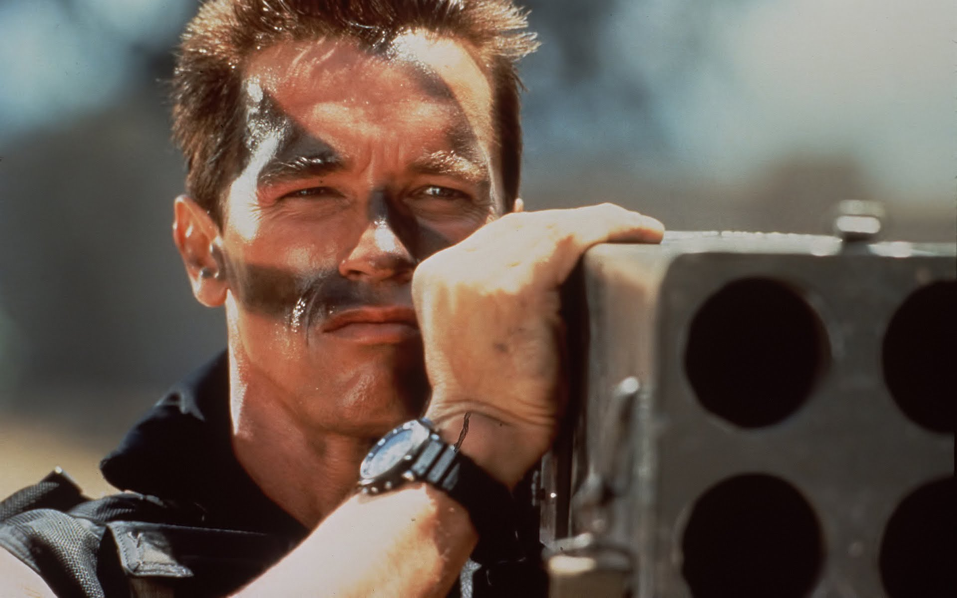 Arnold-Schwarzenegger-Commando-full-movie-1080P-wallpaper-wp3602712