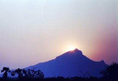 Arunachala-Mountain-India-wallpaper-wp423775
