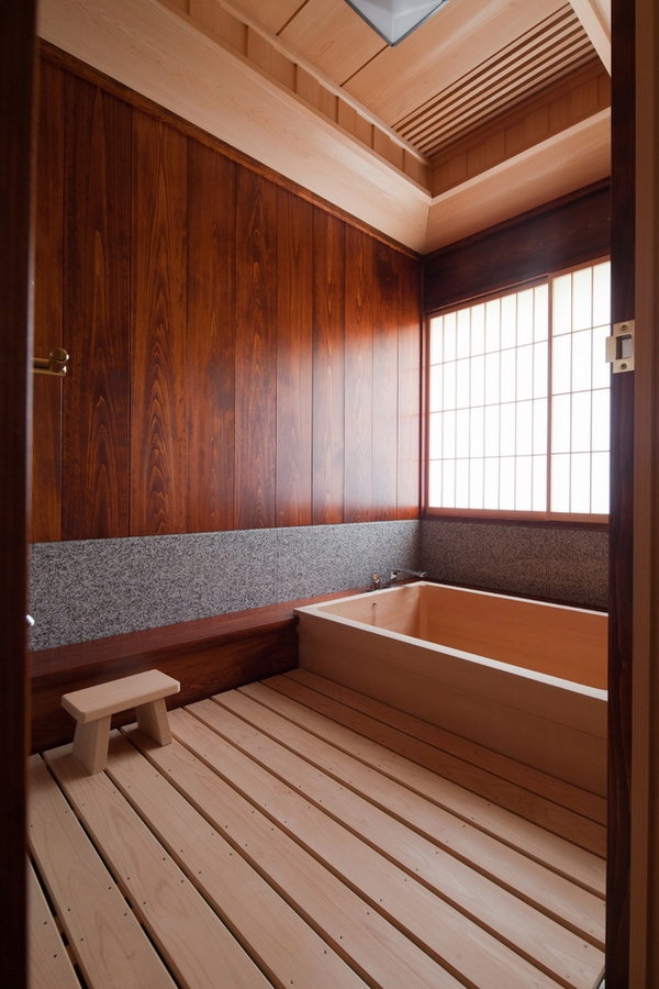 Asian-style-bathroom-japanese-style-soaking-tub-wood-flooring-wallpaper-wp3402625
