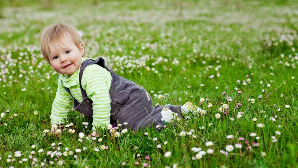 Baby-In-Light-Green-Dress-Image-wallpaper-wp4603985-1