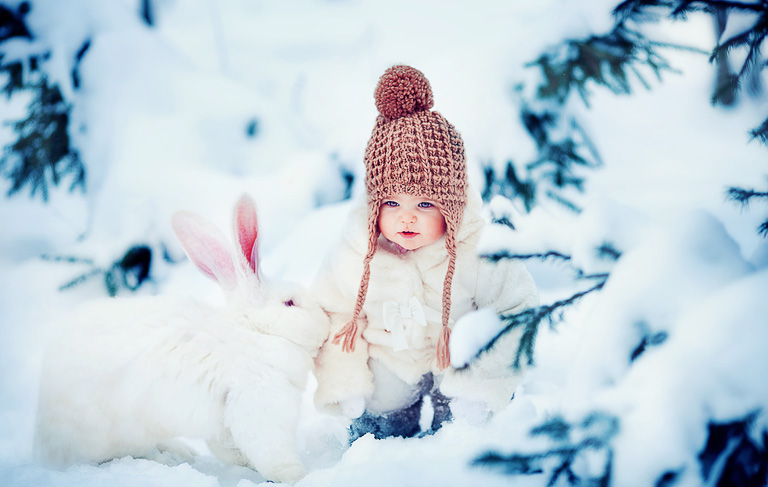 Baby-With-Rabbit-In-Snow-Download-best-Baby-With-Rabbit-In-Snow-for-computer-de-wallpaper-wp4603991-1