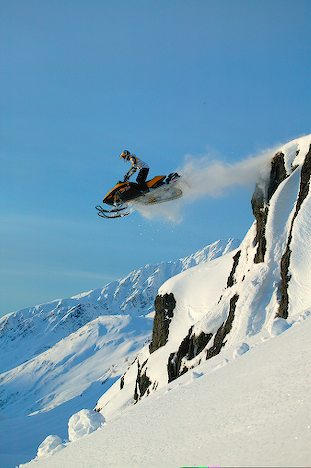 Back-country-snowmobiling-wallpaper-wp5803784