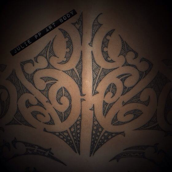 Back-detail-tattoo-Maori-ta-moko-wallpaper-wp3003452