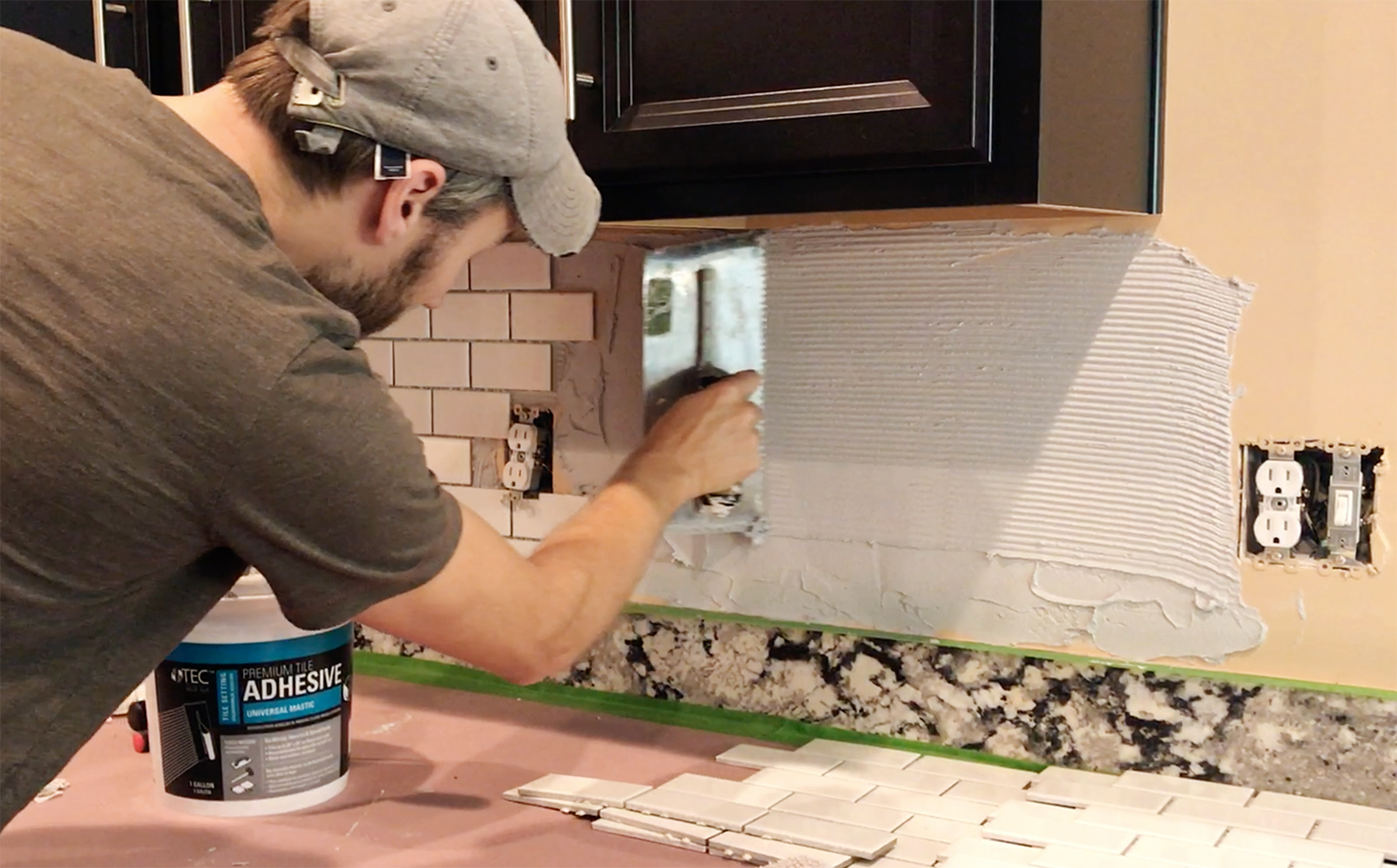 Backsplash-tiling-how-to-prep-install-cut-grout-and-caulk-tile-for-an-awesome-kitchen-back-wallpaper-wp4003226