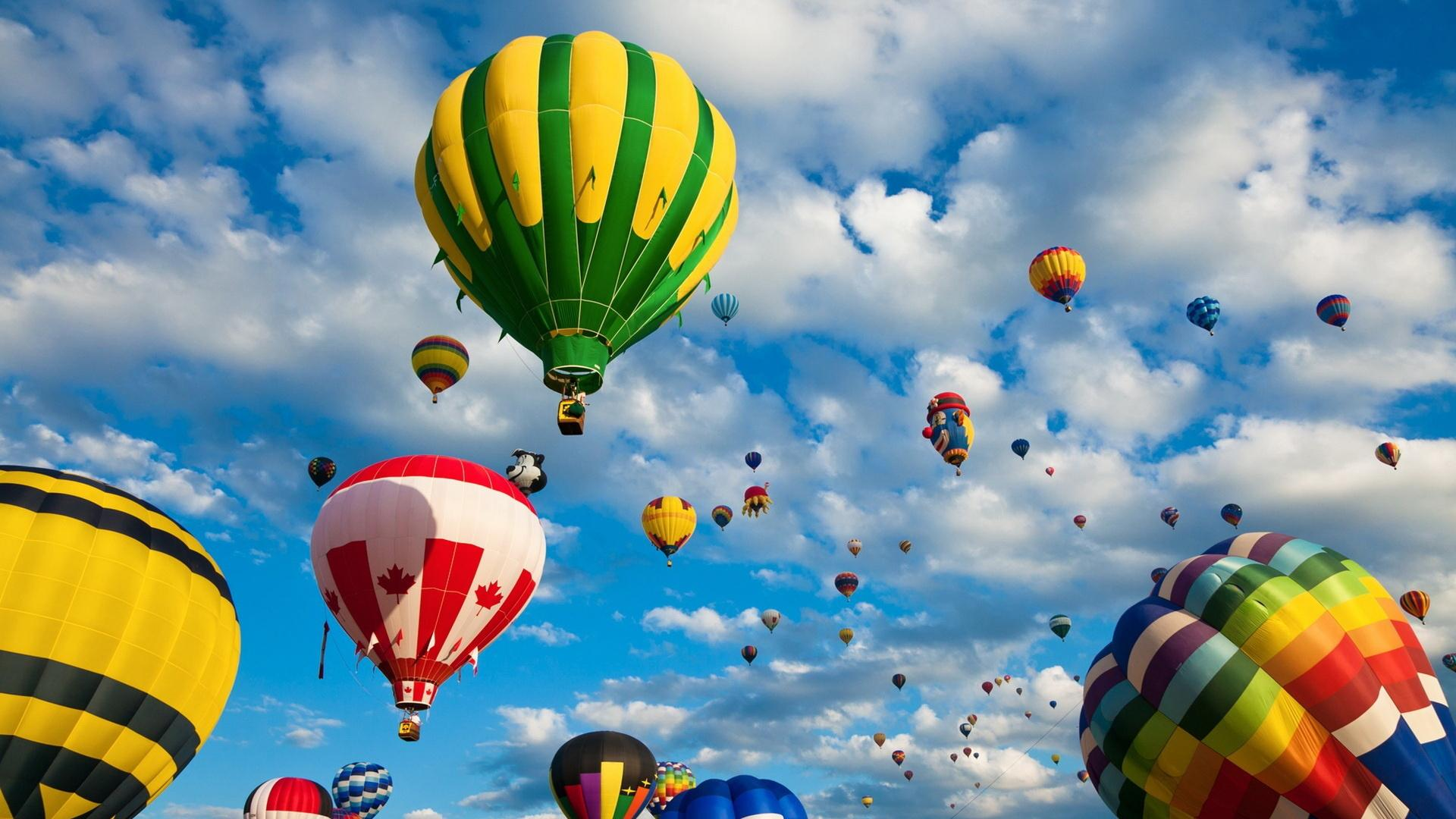Ballons-In-the-Sky-wallpaper-wp3402835