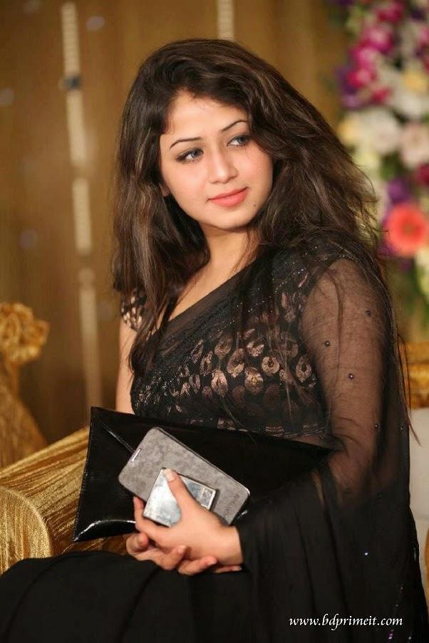 Bangladeshi-actress-and-model-Farhana-Shahrin-Faria-photos-biography-Facebook-and-more-http-www-wallpaper-wp6002211