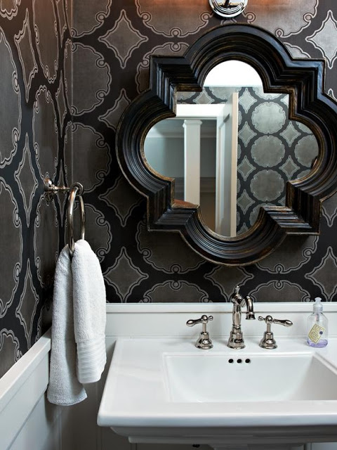 Bathroom-with-modern-black-and-grey-damas-wallpaper-wp4404830-2
