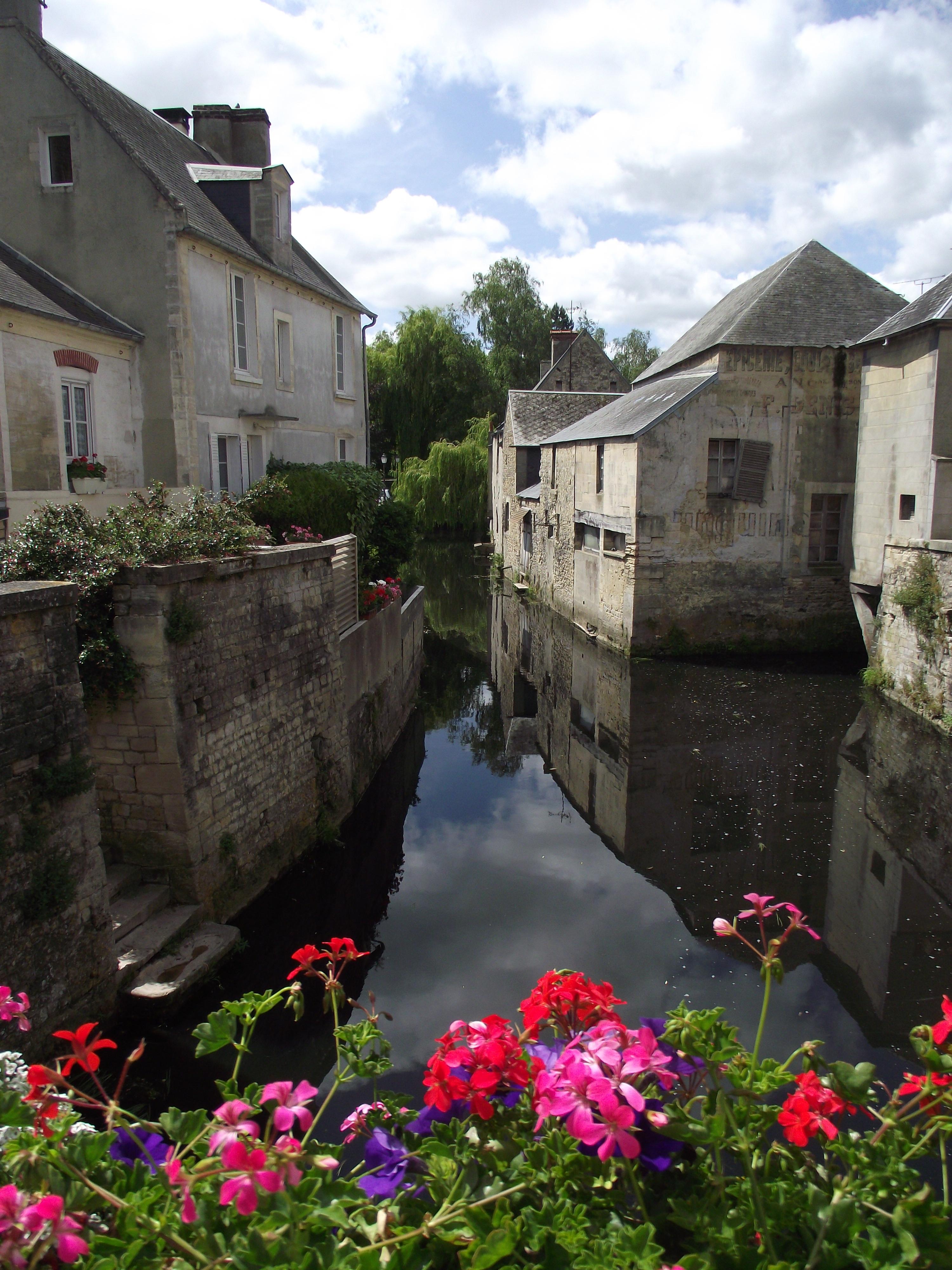 Bayeux-Normandy-wallpaper-wp3003505