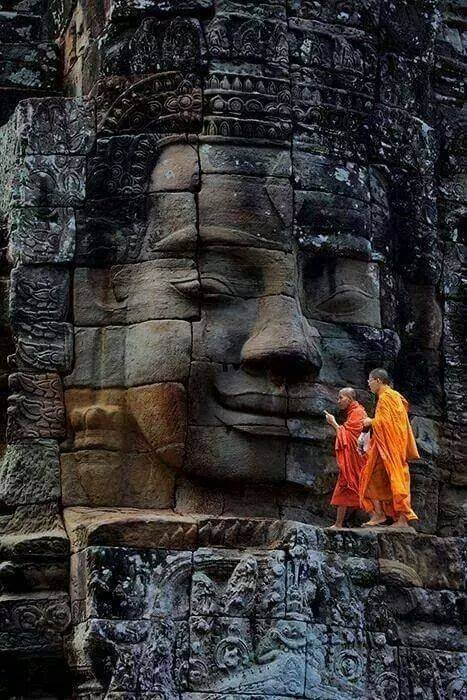 Bayon-Temple-Ancient-City-of-Angkor-Thom-Cambodia-wallpaper-wp3003506