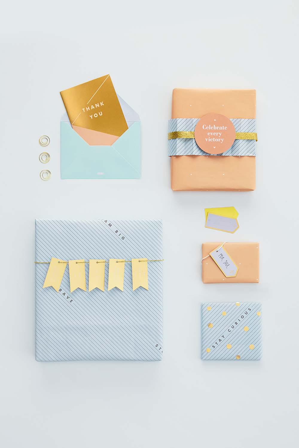 Be-inspired-by-this-beautiful-gift-wrapping-idea-using-the-kikki-K-Inspiration-Paper-Lovers-Book-w-wallpaper-wp4604081