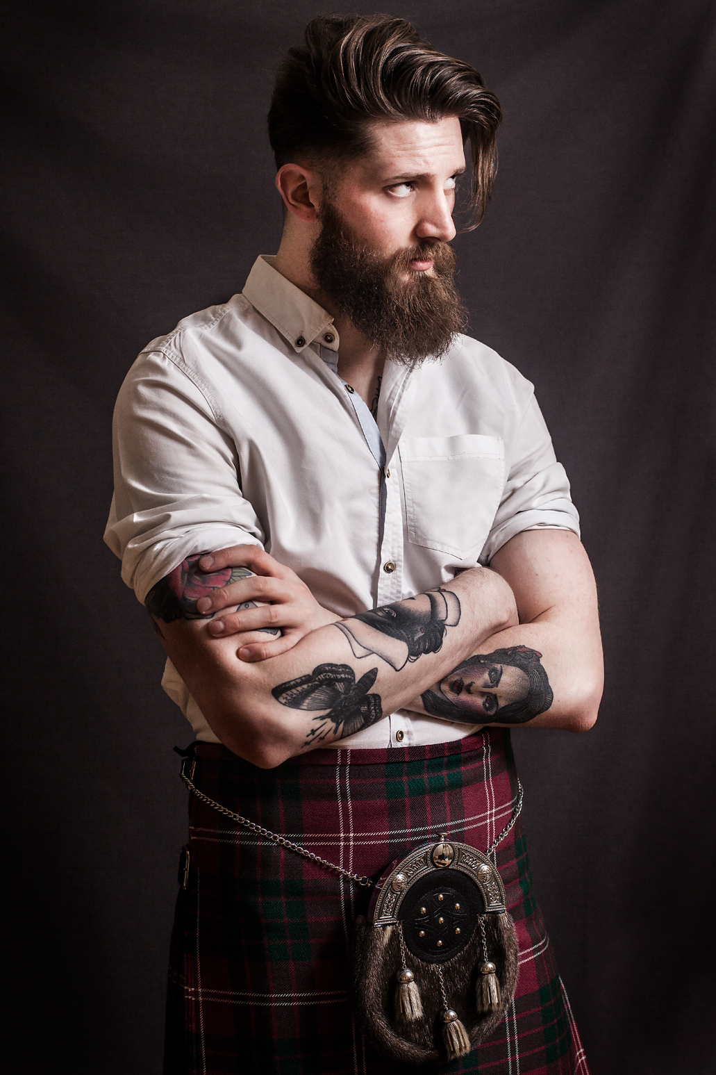 Beard-and-kilts-tartan-plaid-wallpaper-wp4404902