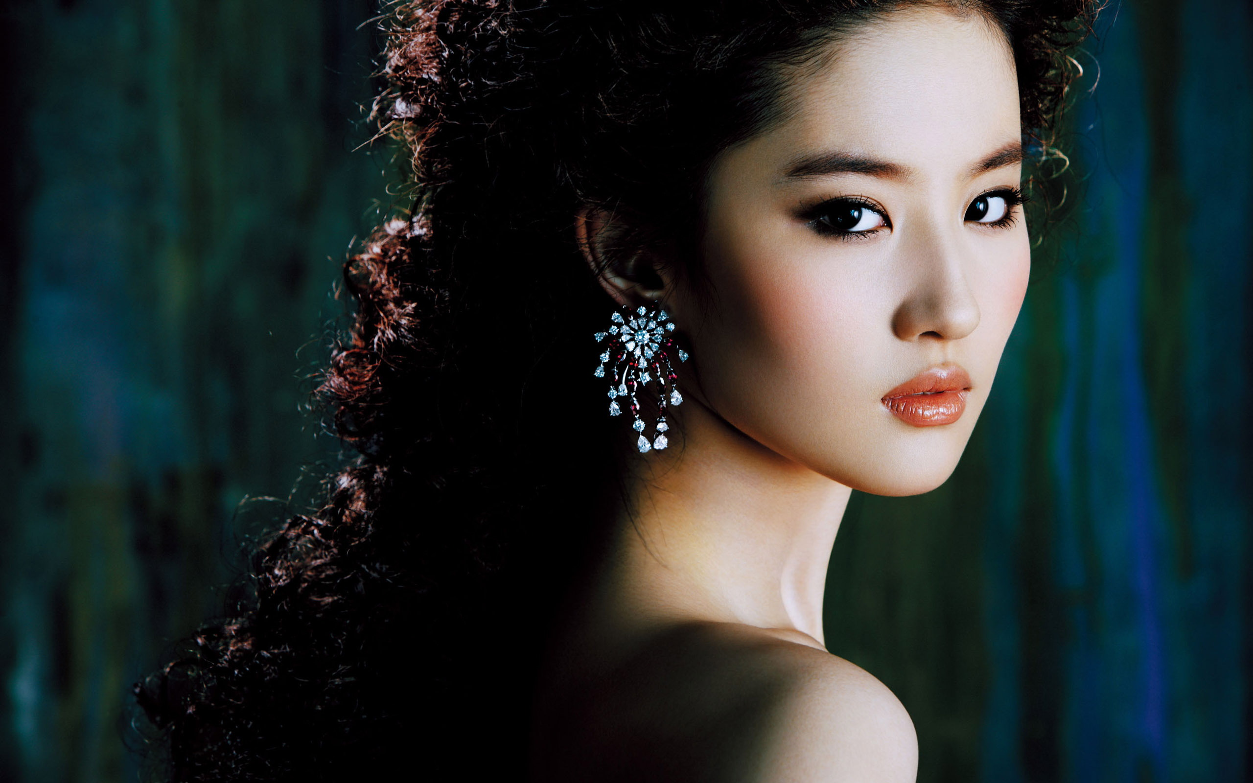 Beautiful-Chinese-Actress-Join-thousands-of-members-collecting-stunning-signed-star-wallpaper-wp5005115