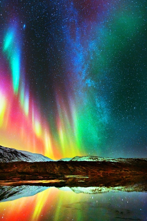 Beautiful-Northern-Lights-wallpaper-wp4404974