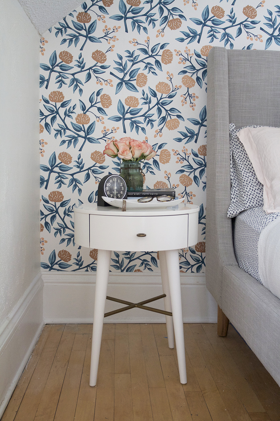 Beautiful-Rifle-Paper-Co-for-Hygge-West-and-West-Elm-Penelope-Night-Stand-wallpaper-wp5403619