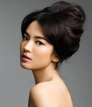 Beautiful-South-Korean-actress-Song-Hye-Kyo-wallpaper-wp5603293