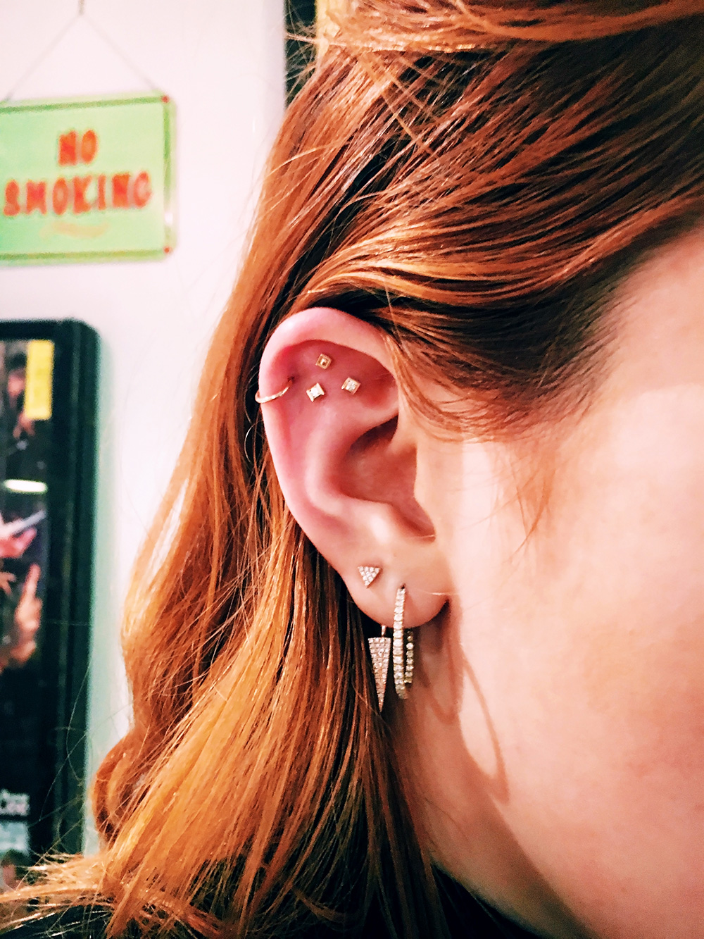 Bella-Thorne-s-ear-piercings-are-so-cool-and-modern-we-definitely-want-to-copy-wallpaper-wp3003623