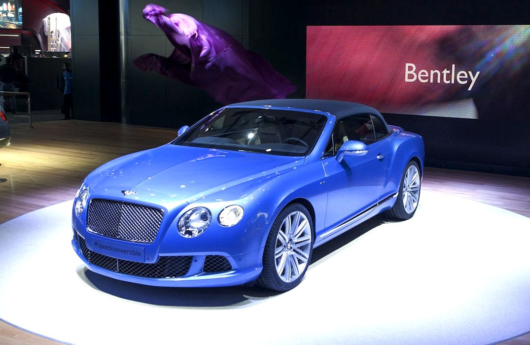 Bentley-Continental-GT-Speed-Convertible-Blue-wallpaper-wp422700-1