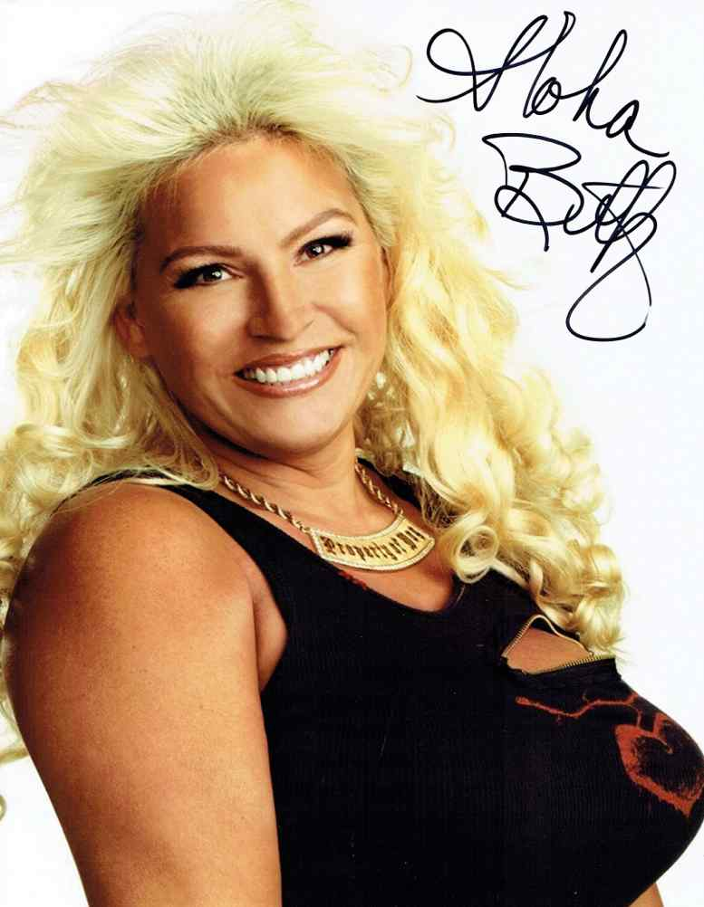 Beth-Smith-Dog-the-Bounty-Hunter-Signed-x-Photo-Authentic-wallpaper-wp3003652