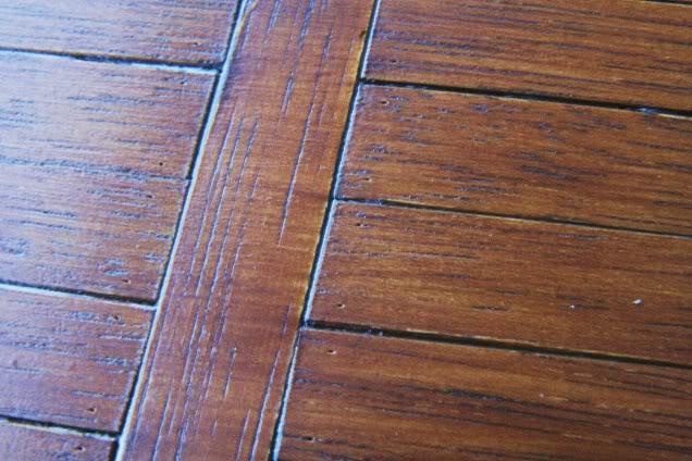 Blach-shoe-polish-to-highlight-the-grain-wallpaper-wp5005277