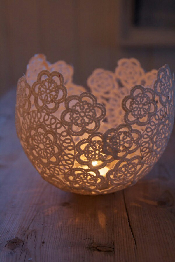 Blow-up-balloon-glue-lace-doily-around-it-dry-deflate-balloon-and-you-have-a-bowl-wallpaper-wp4003592