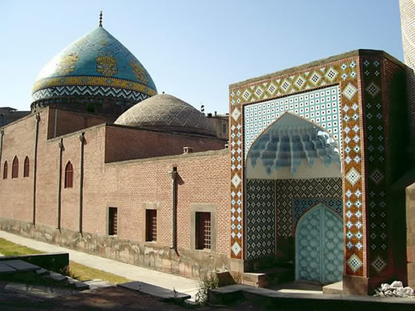 Blue-Mosque-Yerevan-Armernia-Image-Credit-Beautiful-Mosques-wallpaper-wp6002438