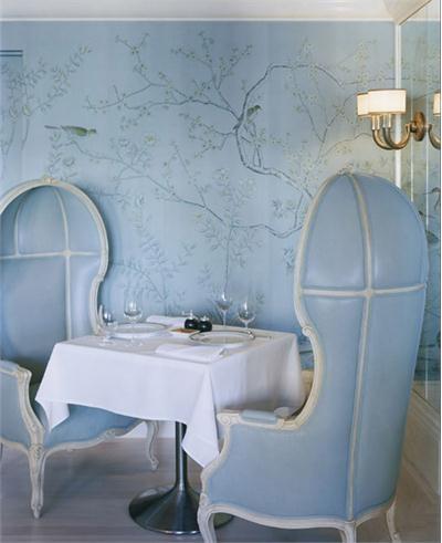 Blue-de-Gournay-and-Gracie-at-Bergdorf-Goodman-wallpaper-wp4604316