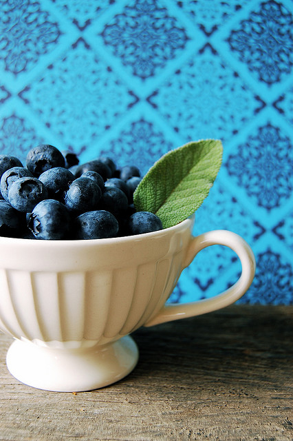 Blueberries-wallpaper-wp5804135-1