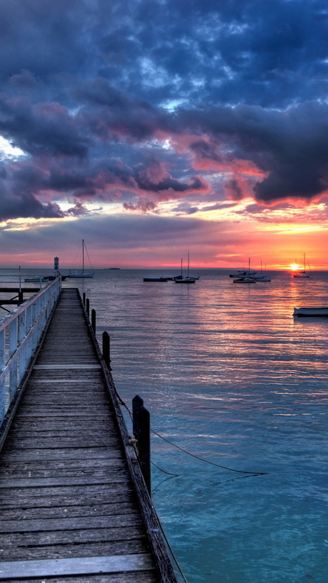Boats-Sunset-iPhone-s-wallpaper-wp5403764
