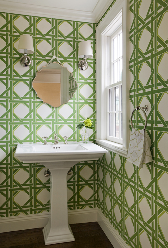 Bright-cheerful-and-preppy-bathroom-wallpaper-wp5204822