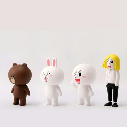 Brown-Cony-Moon-and-James-wallpaper-wp3003933